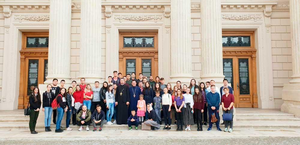 """<a class=&quot;imagineslider-posttitle-link&quot; href=&quot;http://www.protopopiatulnasaud.ro/excursie-organizata-de-asociatia-tinerilor-crestini-ortodocsi-sfintii-martiri-nasaudeni-2/&quot;>Excursie organizată de Asociaţia Tinerilor Creştini Ortodocşi """"Sfinţii Martiri Năsăudeni""""</a>"""
