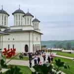 Hramul Mănăstirii Salva, prăznuit în prezența Mitropolitului Clujului