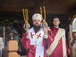 Hramul-Manastirii-Cormaia-09